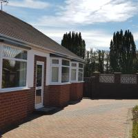 The Hermitage private detached bungalow, hotel in Rhyl