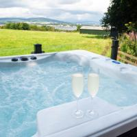 Luxurious Super King Lodge, hotel in Langbank