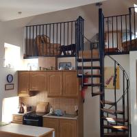 3 Bedroom Loft Apartment, hotel in Banagher