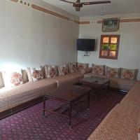 دار بوشطرات, hotel en Alougoum