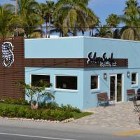 Silver Surf Gulf Beach Resort, hotel in Bradenton Beach