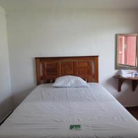 Hotel El Viajero by Rotamundos, hotel in Xpujil