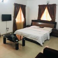 Cuzzi Lodge, hotel in Abuja