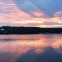 Spectacular home with a amazing ocean - river view, hotel in Groton