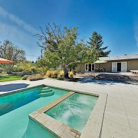 Vina Vista - Wine Country Home & Cottage with Pool home, hotel in Kenwood