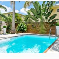 Orient Bay villa, walkable beach, private pool