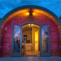 Captivating 2-Bed Lodge in Llandeilo