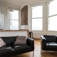 Immaculate 1-Bed Apartment on Hove Seafront