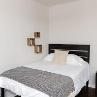 Classic HP 1BR with Fast Transit to UChicago & DT by Zen Rentals, hotel in Hyde Park, Chicago