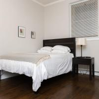 Historic HP Studio with Fast Transit to UChicago & DT by Zen Rentals, hotel in Hyde Park, Chicago