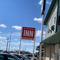 St Michaels INN Motel, hotel em Rycroft