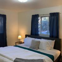 5 Bedroom home in quiet Denver neighborhood, hotel in Denver