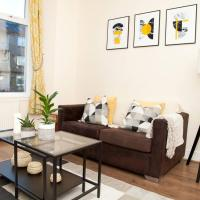 Snug - Logie Baird Apartment