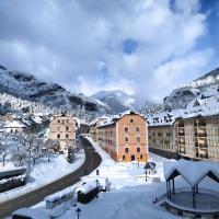 Apartamento de montaña, hotel in Canfranc-Estación