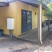 A Beautiful Getaway in the Otway Ranges - Cottage with Hot Tub - FREE WINE, hotel in Barongarook