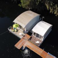 Floating House Embé Experience, hotell i Castel Volturno