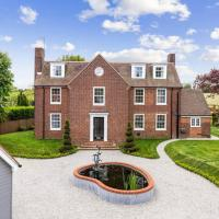 Stunning 5 Bedroom House - The Officers House