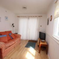 42A Medmerry Park 2 Bedroom Chalet - No Manual Workers Allowed