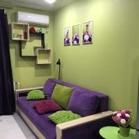 Современная студия в центре Батайска, отель в Батайске