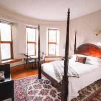 Bellas Castle Bed and Breakfast, hotel em Morden