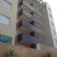 Cobertura Duplex com Hidromassagem ao ar livre para 8 pessoas.