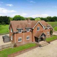Langford farmhouse - Luxury 4bd, hot tub, cinema, 10 acres