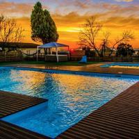 Amazing Huge Villa in Palmela, hotel in Palmela