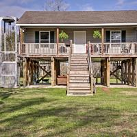 Cajun Cottage on Bayou Dularge with Dock and 2 Bikes!, hotel in Theriot