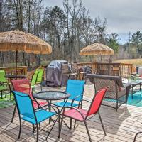 Sensational Midway Escape with Large Private Deck!, hotel in Midway