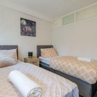 HAGLEY ROAD WEST APARTMENT(5 BEDROOMS) SLEEPS 7-10