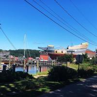Mystic River Getaway - Walk To Downtown & Seaport!