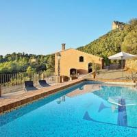 Falset Villa Sleeps 6 with Pool