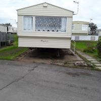 2 bed caravan approx 10 mins from beach suzie 2