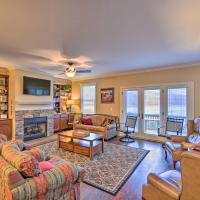 Lake Chatuge Hideaway with Community Amenities!, hotel in Hiawassee