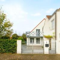 Spacious 3 bedroom house along Damme's canal