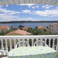 Apartments Vese - 100 m from beach