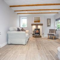 Snowdrop Cottage nr Alton Towers & Peak District, Sleeps 4+2, hotel in Cauldon