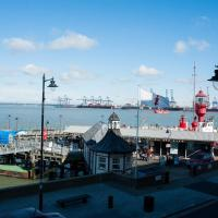 Admirals Harbour View 2-Bed Apartment in Harwich, hotel in Harwich