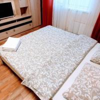 Добрый Дом - Студия с двуспальной кроватью около ТРЦ Аура