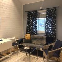Strandnära Nybyggd Stuga Vänersnäs, hotell i Vargön