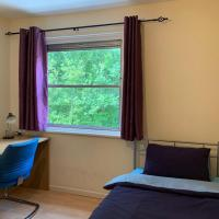 Room in BB - Double Bedroom in House Share to let at Stepney Green