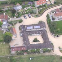 Upper Vobster Farm, hotel in Radstock