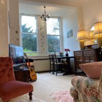 Kew Gardens View Cosy one bedroom Flat FREE WIFI