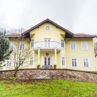 Lovecký zámeček pod Milešovkou, hotel v destinaci Teplice