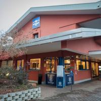 Blue Relais Maggiore, hotel a Castelletto sopra Ticino