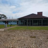 Hospedagem e Camping do CEPE-SC, hotel in São Francisco do Sul