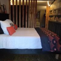 Les Chalets Du Goulet, hôtel à Le Bleymard