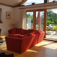 Prestwick Oak - Open Plan 2 Double Ensuite Rural Oak Framed House Sleeps 4 plus AONB