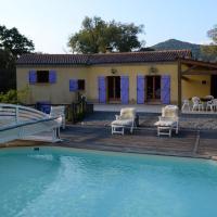 Villa with 4 bedrooms in La Mole with wonderful mountain view private pool furnished garden 10 km from the beach, hotel near La Mole Airport - LTT, La Môle