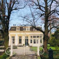 Tiny house in tuin van de statige villa Mariahof